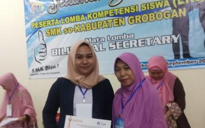 Adinda Meraih Juara 2 LKS Bilingual Secretary 2019